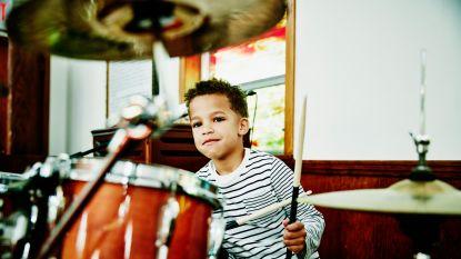 Je kind wil stoppen met muziekles. Geef je toe of is het beter om vol te houden?