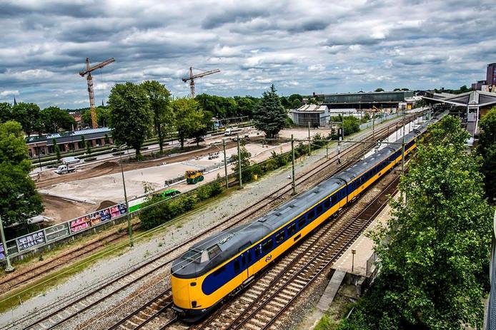 Het lege busstation aan de Brokxlaan. Foto Jan van Eijndhoven
