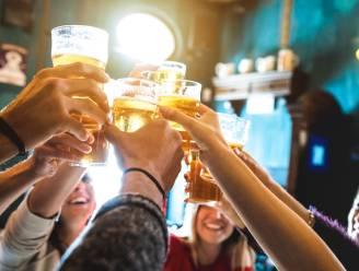 HET DEBAT. Moeten jongeren de kans krijgen om oudjaar op een of andere manier te vieren?