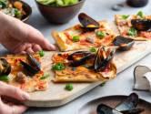 Wat Eten We Vandaag: Plaatpizza met mosselvlees en worst