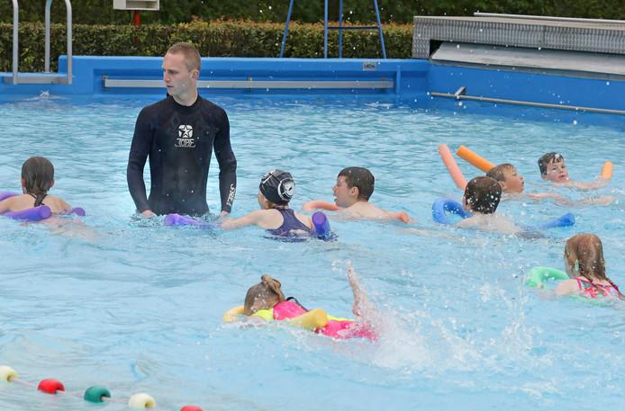 Zwembad Bijtelskil in Sleeuwijk.