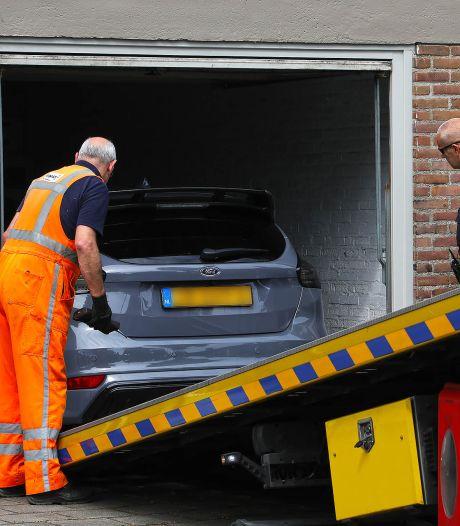 Politie doorzoekt woning en garagebox in Oss: 'Vermoeden dat opiumwet wordt overtreden'