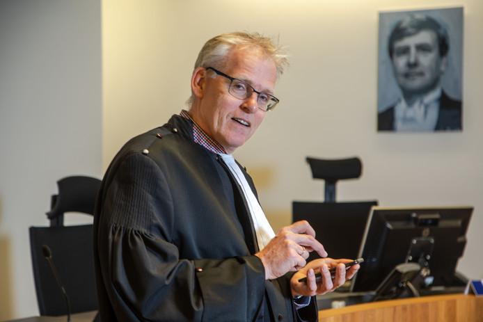 Volgens de Zwolse rechter Erik Koster slaat de toenemende invloed van slachtoffers op het strafproces steeds vaker door.