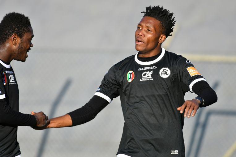 David Okereke in het shirt van Spezia.