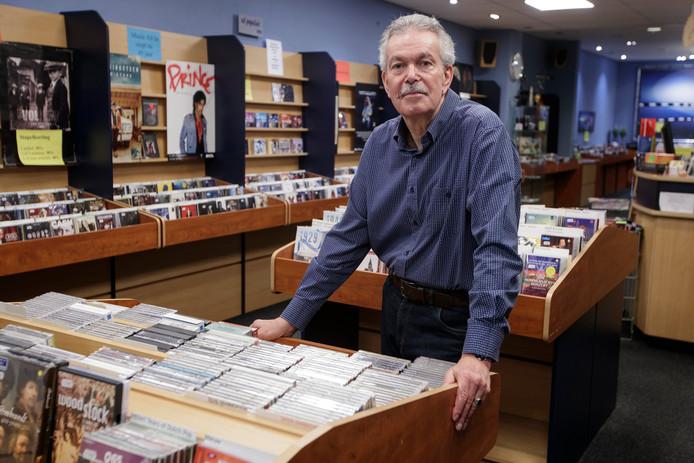 Zutphenaar Arnold Kassenberg is definitief met pensioen. Zijn platenwinkel Music All In sloot op 31 oktober.