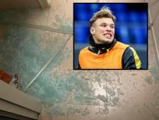 NAC-topscorer Van Hooijdonk stoeit met douchewand en loopt snijwonden op