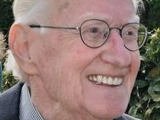 Oud-wethouder Cor de Vogel (89) overleden: 'Veel betekend voor Almelo'