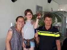 Politie zet Naomi (10) uit Winterswijk in het zonnetje voor redden van moeder Mariska