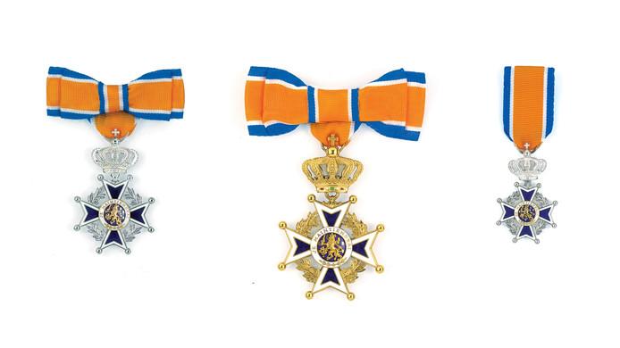 Diverse onderscheidingen in de Orde van Oranje-Nassau.
