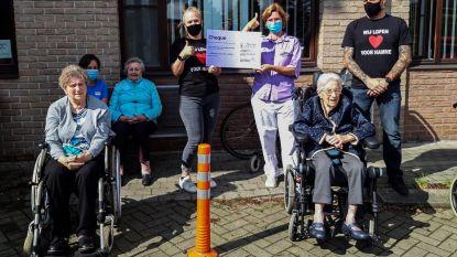 Personeel van woonzorgcentrum krijgt cheque voor inzet tijdens coronacrisis