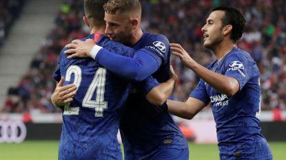 VIDEO. Ook Chelsea en Liverpool oefenen: blunder van Alisson, wereldgoal van Pedro
