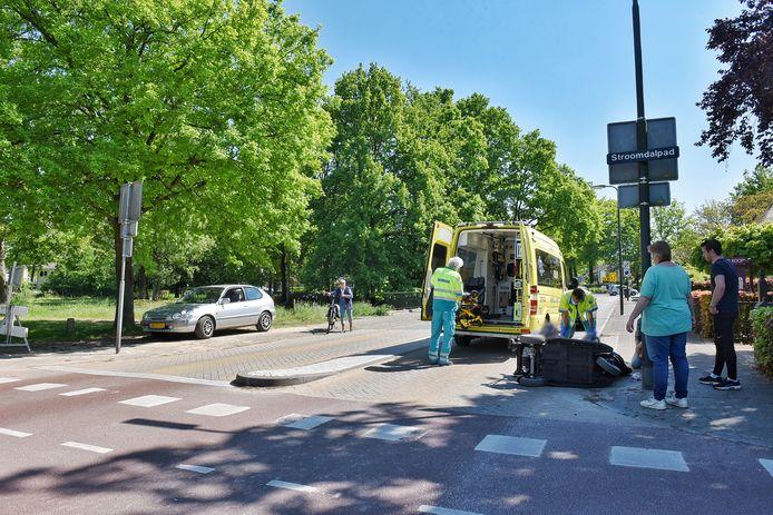 De kruising van Baerdijk en Stroomdalpad eiste woensdag weer een slachtoffer. Deze keer werd de 80-jarige Ans Domstorff in haar scootmobiel aangereden.