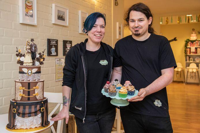 Ana De Clerck en Nicky Hulboj steken al hun perfectionisme in hun gebak.