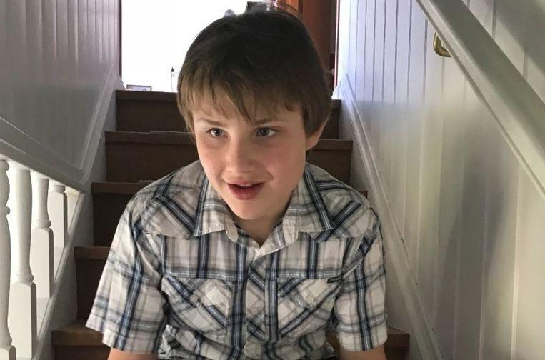 Max Whelan is zwaar autistisch en heeft daardoor vaak agressieve uitbarstingen.