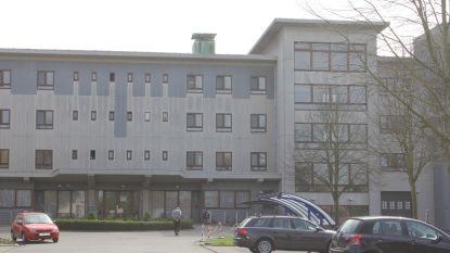 Asbest gevonden in oud rusthuis Sint-Job, OCMW laat gespecialiseerde firma alles verwijderen