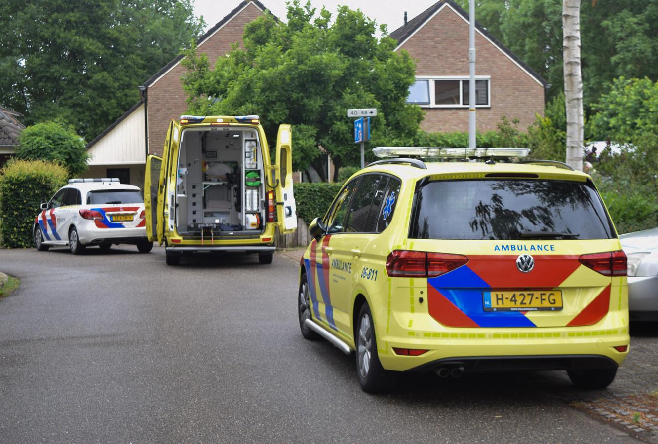 De hulpverlening kwam snel op gang na de aanrijding in Doetinchem.