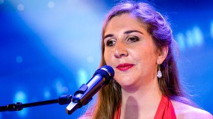 """Blinde zangeres Daisy uit 'Belgium's Got Talent' verloor veel te vroeg haar beide ouders: """"Van papa heb ik zelfs geen afscheid kunnen nemen"""""""