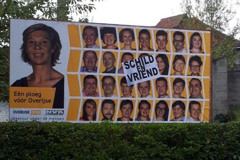 De overplakte affiches van Overijse2002/N-VA.