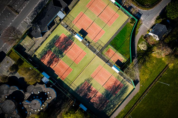 Verlaten sportparken als gevolg van de coronacrisis.