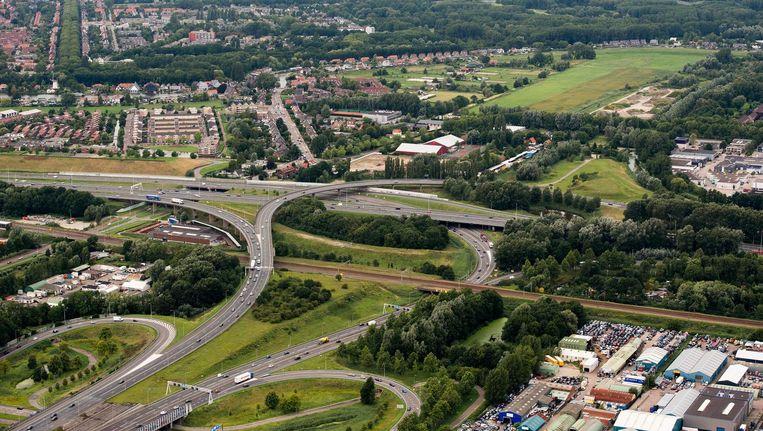 Luchtfoto van het Terbregseplein, waar de A16 en de A20 samenkomen. Vanaf 2024 moet het mogelijk zijn om via een tussenweg eenvoudig de A13 te bereiken. Beeld anp