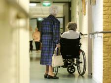 Zo ga je in coronatijd met ouderen om in het verpleeghuis