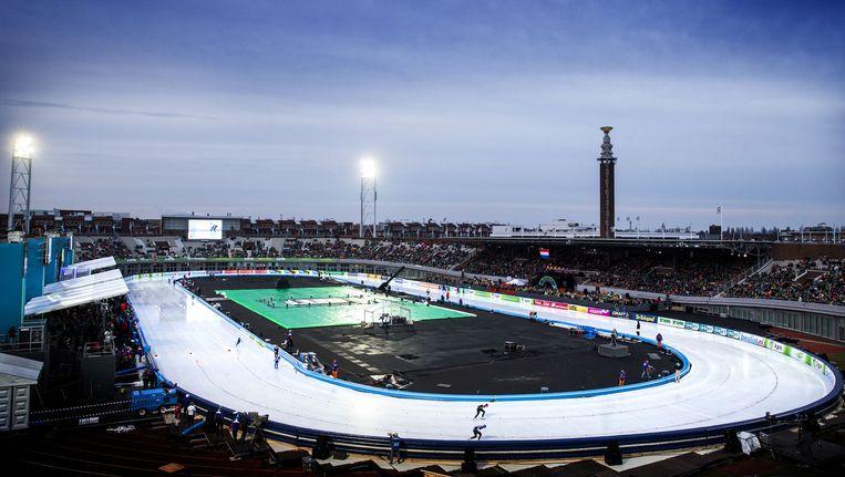 In 2014 lag er al eens een tijdelijke kunstijsbaan in het Olympisch Stadion. Beeld anp