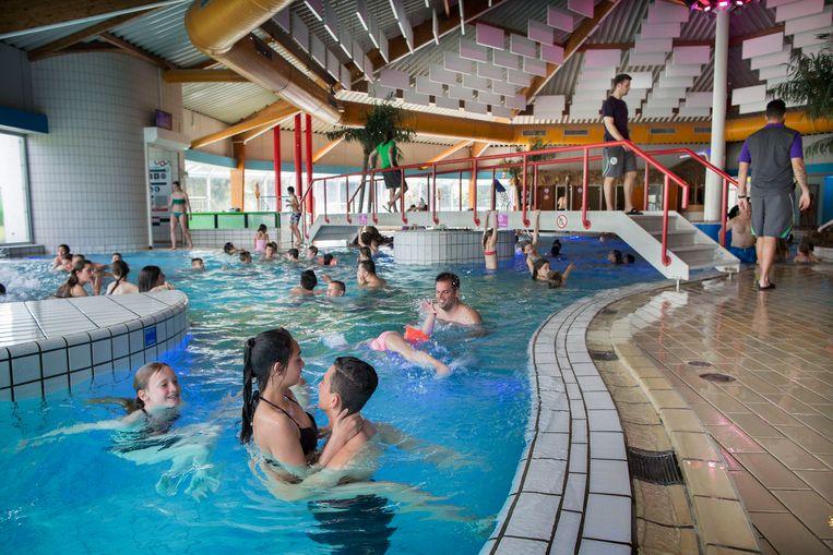 Zwembad De Fakkel : In het water is nee niet altijd nee trouw