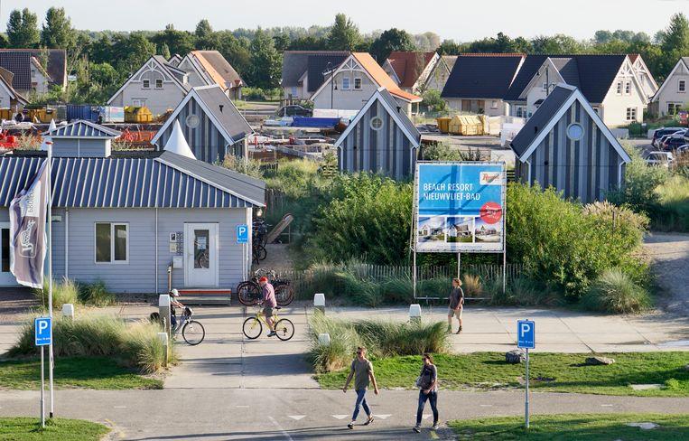 Beachresort Nieuwvliet-Bad in Zeeuws-Vlaanderen is een van de tweehonderd bungalowparken van Roompot. Beeld Hollandse Hoogte / Flip Franssen