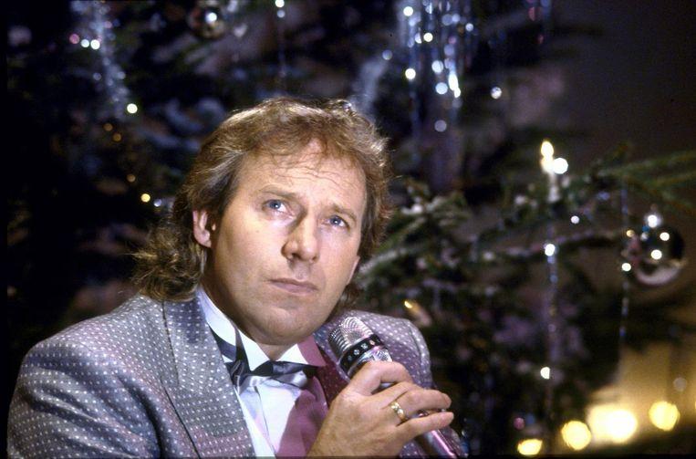 Koost Alberts in 1988 met kerst Beeld ANP