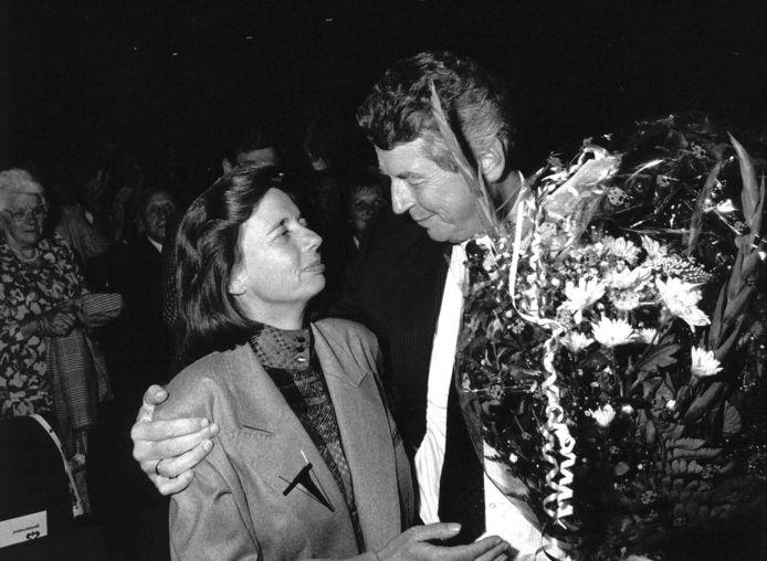Wim Kok en Rita op een partijbijeenkomst in De Doelen in Rotterdam in 1989.