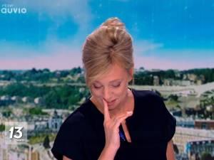 Nathalie Maleux émue aux larmes par un sujet du JT