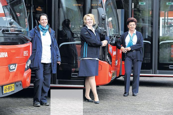 Dit zijn Marjolein, Mady en Carmen. Zij zitten achter het stuur van een bus in de regio Breda.