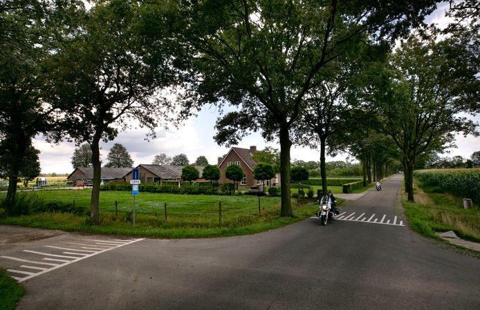 De locatie aan de Logtsebaan in Spoordonk waar een nieuw varkensbedrijf met 16.000 biggen zou verrijzen.