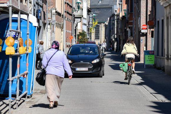 Door de herinrichting zal de Kapellestraat veiliger worden voor zwakke weggebruikers.