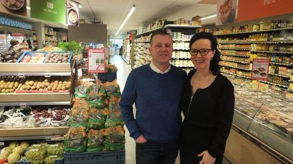 Kleinzoon (40) runt buurtwinkel in Veldstraat