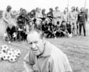 Rinus Loof in 1979, toen als elftalleider in Den Haag.