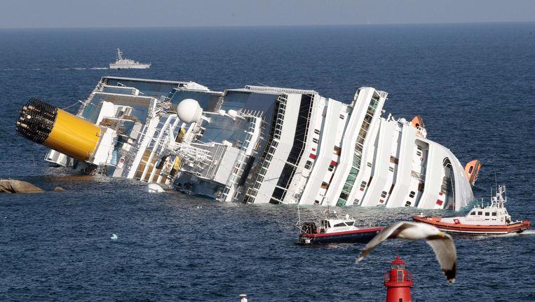 Het cruiseschip Costa Concordia zonk in januari van 2012. Beeld ap