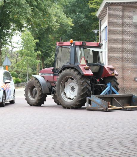 Kind (7) naar het ziekenhuis na aanrijding met tractor in Zeeland