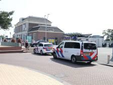 Politie in Apeldoorn rukt massaal uit voor gewonde man in trein
