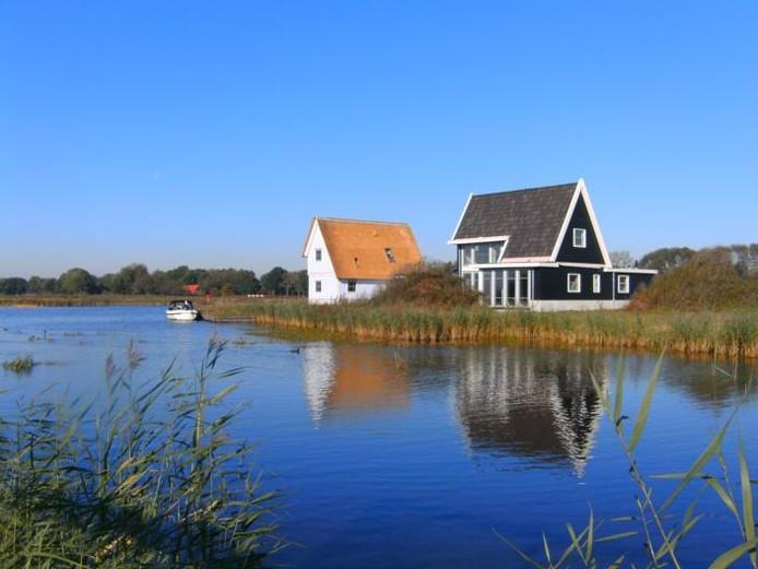 Langzamerhand ontstaat het 'dorpje' Bodelaeke langs de waterpartijen in de voormalige Beulakerpolder.Eigen foto