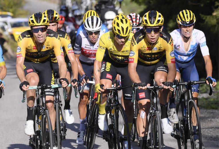 Adrie van der Poel: 'Wout gaat, net als Mathieu, nooit de Tour winnen. Maar dat hij in dienst van de ploeg moest rijden? Dat lach ik weg. Hij mag zijn eigen kans gaan.' Beeld