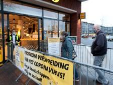 Willekeur met mondkapjes: bij de ene supermarkt verplicht, 100 meter verder niet