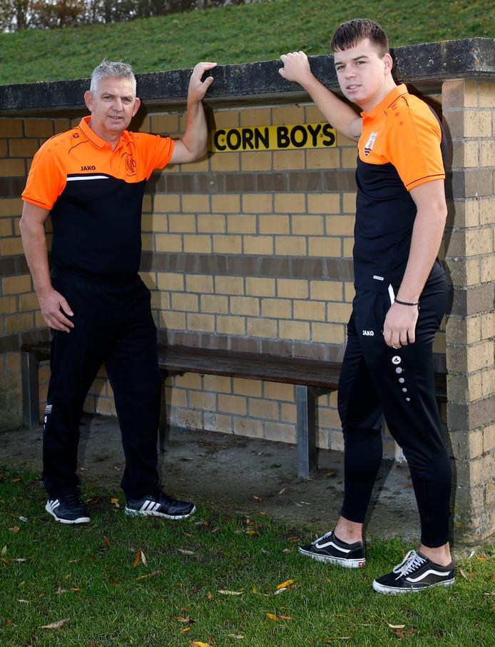 Corn Boys-coach John Moes (links) was tevreden met het gelijkspel tegen Graauw.