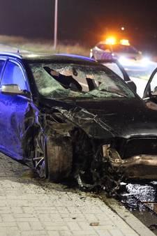 Bestuurder zwaargewond na crash tijdens achtervolging door politie in Oudenbosch