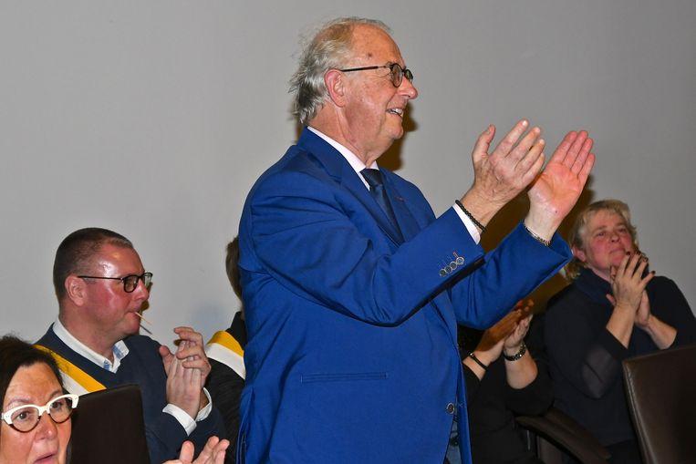 Burgemeester Bernard Gerard was enthousiast over het cadeau.