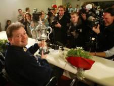 Van Barneveld gooit dartstrofeeën in de verkoop: 'Heb er niets meer mee'