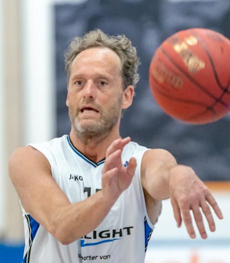 Basketbal-icoon Ad Schepers toeschouwer bij zijn eigen afscheid