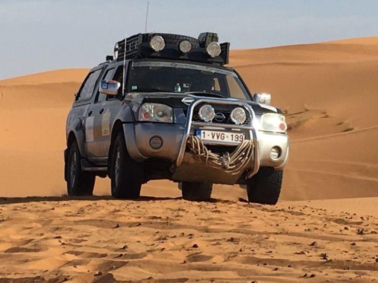 Door de woestijn rijden was voor de vrienden een uitzonderlijke ervaring