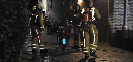 Brommerbrand in een garage in Meppel