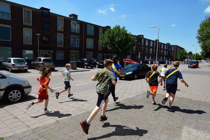 Summerfun voor kids van start. Boeven zoeken in de wijk Kalsdonk.